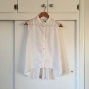 ⬇︎⬇︎ HACHE/ sleeveless blouse in mint condition